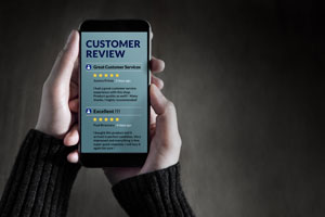 Customer reviews on smartphone