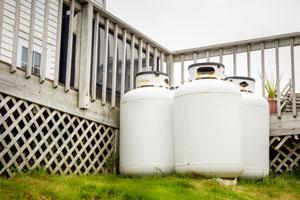 Can I throw away an old propane tank?